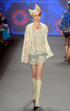 New York Fashion Week: Anna Sui Spring 2013