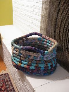 DIY Rope baskets. I'm pretty sure my mom made these things back in the day.