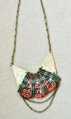 Collier de princesse tissée par AMiRAjewelry sur Etsy, $120.00