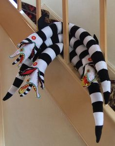 Items similar to Beetlejuice Sandworm Plush on Etsy - Beetlejuice Sandworm Plush by tavingtoncrafts on Etsy - Halloween Sewing Projects, Sewing Projects For Kids, Halloween Crafts, Halloween Party, Halloween Decorations, Sewing Crafts, Halloween Ornaments, Easy Projects, Couture Pour Halloween