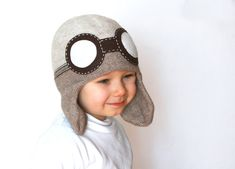 Kids aviator hat, knitted in wool alpaca blend in beige color, with the felt goggles, soft and warm