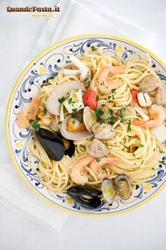 spaghetti allo scoglio (seafood spaghetti)