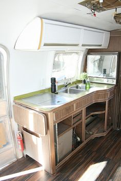 Airstreamy: Our 31' 1974 Airstream Sovereign by Fifilynn, via Flickr
