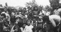 Εικόνες από το συνοικισμό της Ιωλκού Βόλου όπου κατοίκησαν πρόσφυγες από χωριά της περιφέρειας Νικομήδειας της Βιθυνίας και από χωριά της Καππαδοκίας (Μίστι, Γκελβέρι, Νεάπολη κ.α.), Δεκέμβριος 1940. Φωτο: Αγιουταντή Αγλαΐα