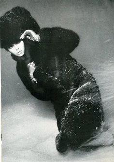 Barbara Bach was clad in fur in an earlier promo ad Beatles One, Retro Fashion, Vintage Fashion, Jane Asher, Bond Girls, Rock Chick, Keith Richards, Jim Morrison, Jimi Hendrix