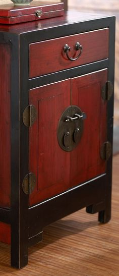 Antique Red Black Cabinet I Like This Look For My Kitchen Cabinet Doors That Are Chipping