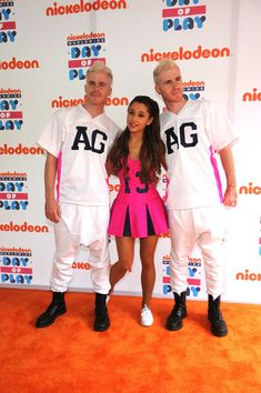 """Ariana Grande Photos - Actress, singer Ariana Grande walks the """"orange"""" carpet for the Annual Worldwide Day of Play at Prospect Park on September 2013 in New York City. - Nickelodeon Annual Worldwide Day of Play - Orange Carpet Ariana Grande Outfits, Ariana Grande 2011, Ariana Grande Hair, Adriana Grande, Yours Truly, Brian Scott, Orange Carpet, Red Carpet, Ariana Grande Sweetener"""