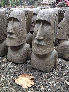 Wood Carving Faces, Wood Carving Art, Tiki Statues, Garden Statues, Concrete Sculpture, Garden Sculpture, Tiki Head, Tiki Totem, Art Deco Paintings