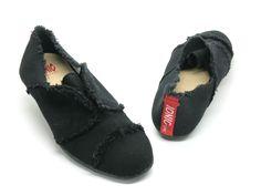 Women's Sando in Black