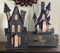 Discover kid friendly Halloween decorations at Pottery Barn Kids. Find festive Halloween decor that is perfect for the home, yard, or even a Halloween party. Halloween Village, Halloween 2014, Spooky Halloween, Holidays Halloween, Halloween Crafts, Halloween Decorations, Halloween Stuff, Happy Halloween, Halloween Party