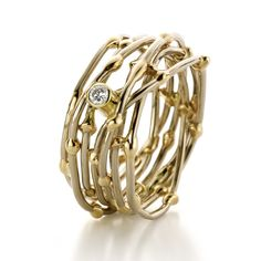 """""""Threads of life"""" by Heleen Hoogenboom & Sanne Bogers. Fairtrade gold ring…"""