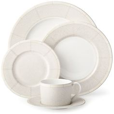 Ralph Lauren Vivienne 5-Piece Dinner Set (455 BRL) ❤ liked on Polyvore featuring home, kitchen & dining, dinnerware, kitchen, decor, apparel & accessories, no color, ralph lauren dinner plates, ralph lauren and ralph lauren dinnerware