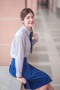School Girl Japan, Girls Uniforms, School Uniform, Cute Girls, Thailand, Asian, Culture, Hair Styles, Sexy