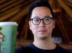 Crean unas bolsas que se pueden disolver en el agua y beberse | Ecología