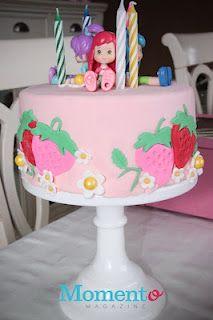 Petit gâteau de fraisinette  Strawberry shortcake little cake Birthday Cake, Birthday Parties, 1 An, Holiday Cakes, Strawberry Shortcake, Magazine, Party, Desserts, How To Make