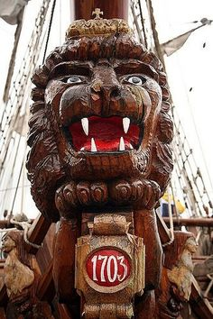 Interesting and forgotten - life and curiosities of past eras. - Figureheads of ancient ships Sailing Courses, Legend Of The Seas, Ship Figurehead, Pirate Hats, Peeling Paint, Tall Ships, Magical Creatures, Gods And Goddesses, Water Crafts