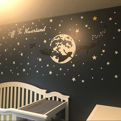 21 ideas baby nursery themes stars peter pan for 2019 21 Ideen Baby Kinderzimmer Themen Sterne Peter Pan für 2019 Disney Baby Rooms, Disney Baby Nurseries, Disney Themed Nursery, Baby Boy Nurseries, Star Themed Nursery, Star Nursery, Baby Disney, Baby Girl Nursery Themes, Baby Boy Nursery Themes
