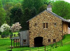 Stone stable, how beautiful is this!