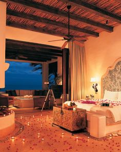 Christina Aguilera, Jennifer Lopez, and Brad Pitt have all stayed in one of these Ocean Front Luxury suites at Las Ventanas al Paraiso in Los Cabos, Mexico. Swoon!