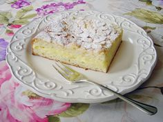 Filled Butter Cake from Germany – wonderful butter cake with a vanilla custard filling! Authentic German recipe Filled Butter Cake from Germany – wonderful butter cake with a vanilla custard filling! German Desserts, Just Desserts, German Recipes, Austrian Desserts, Best German Food, Cake Recipes, Dessert Recipes, Baking Recipes, German Baking