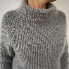 Free Knitting Pattern for 2 Row Repeat Sixty Years Sweater Hand Knitted Sweaters, Sweater Knitting Patterns, Knitting Designs, Hand Knitting, Winter Sweaters, Cozy Sweaters, Handgestrickte Pullover, Knit Fashion, Cardigans For Women