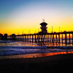 Hands down, one of the world's best piers. This Huntington Beach, California structure is good for fishing, strolling and epic #sunset views.