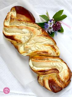 Topfen-Brioche fürs Osterfrühstück - sugar&rose Regional, French Toast, Bread, Rose, Breakfast, Brioche, Challah, Cakes, Easter