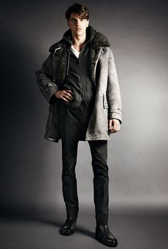 Look 09      AUTUMM-WINTER 2014  LEATHERWEAR STYLE NO: TFL500 LIGHT GREY ICELANDIC SUEDE SHEARLING PARKA WITH LEATHER DETAILS KNITWEAR STYLE NO: TFK157 CHARCOAL SPO...