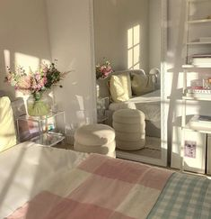 Room Ideas Bedroom, Bedroom Decor, Bedroom Inspo, Room Ideias, Deco Studio, Pastel Room, Cute Room Decor, Minimalist Room, Pretty Room