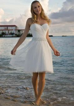 Organza Strapless Sweetheart A-line Simple Wedding Dress - Bride - WHITEAZALEA.com