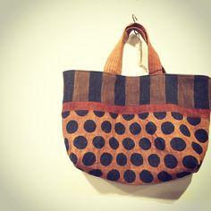 masami yokoyama Diy Fashion Accessories, Bag Accessories, Neoprene, Patchwork Bags, Denim Bag, Fabric Bags, Shopper, Cotton Bag, Tote Purse