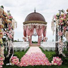 Unique Wedding Mandap Decor Ideas for Wedding Mandap, Wedding Stage, Wedding Goals, Wedding Ceremony, Destination Wedding, Wedding Venues, Wedding Ideas, Church Wedding, Wedding Inspiration
