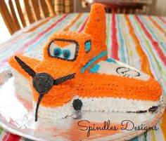 Spindles Designs by Mary & Mags: Dusty Crophopper Cake