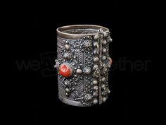 Ihelhalen, Chevillère en argent, Khalkhal, ancien bijou Kabyle en argent émaillé et corail, Orientalisme, anciens bijoux Kabyles en argent, ...