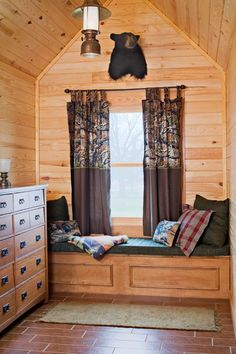 Twin Bed Built in Window Seat Bed Nook, Log Home Designs, Window Bed, Cozy Cabin, My Dream Home, Dream Homes, Big Houses, Log Homes, Small Spaces