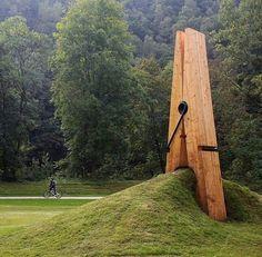 Curiosa escultura en Chaudfontaine, provincia de Lieja, en Bélgica.