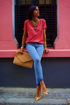 LoLoBu - Women look, Fashion and Style Ideas and Inspiration, Dress and Skirt Look Estilo Casual Chic, Casual Chic Style, Feminine Style, Simple Style, Jeans Coral, Blue Jeans, Coral Shirt, Blue Skinnies, Look Fashion