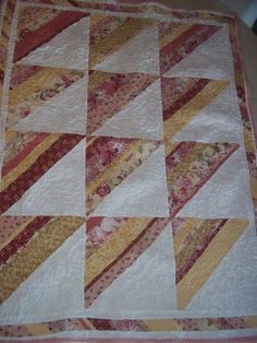 Baby/ Young Girl Sunshine N Daisies Quilt by KLu6 on Etsy