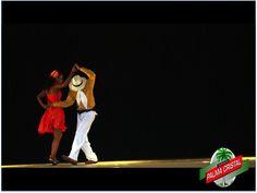 """CERVEZA PALMA CRISTAL. ¿Sabes cuál es la diferencia entre un Son cubano  y una Salsa? El Son cubano es más lenta, cadenciosa y """"sabrosón"""", que no admite piruetas ni acrobacias, sino cuerpo y alma,  mientras que la Salsa es un poco más rápida y se realizan más juegos al bailar. www.cervezasdecuba.com"""