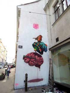 Street art: la città si colora, l'edificio è una tela