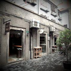 Shi Ku Men. Shanghai.