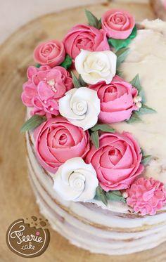 Blumen aus Buttercreme und Naked Cake