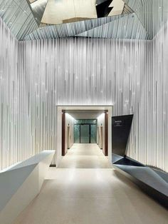 135 best inspiration commercial foyers images lobby reception rh pinterest com