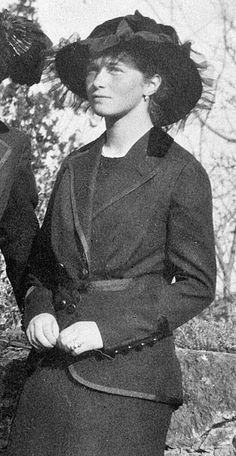 Grand Duchess Olga Nikolaevna of Russia (1895–1918), daughter of Nicholas II of Russia http://historyofromanovs.tumblr.com/post/58529015814/baryshnya-grand-duchess-olga-nikolaevna-of