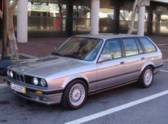 This 1989 BMW Touring (chassis looks like a nice driver with a good interior and straight panels. The body is said t… BMW – 1992 BMW 3 Series Kelley Blue Book…Nice BMW Awesome BMW Nice BMW car, 1989 BMW and forever my favorite. Suv Bmw, Bmw Cars, Bmw Classic Cars, Classic Cars Online, Bentley Exp 10, Bmw E30 Touring, Ford Probe, Bavarian Motor Works, Ford Escort