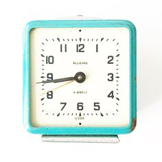 What These Old Things Online Vintage Shop Retro Clock, One That Got Away, Blue Dream, Vintage Turquoise, Vintage Home Decor, Radios, Vintage Shops, Clocks, Cameras