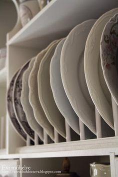 bardoczeva: Ki rejlik a név mögött? Tablewares, Plates, Kitchen, Dreams, Home, Licence Plates, Cooking, Dinnerware, Plate