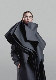 Fashion Architecture - three-dimensional layered construction; sculptural fashion; wearable art // Isabella Falkirk