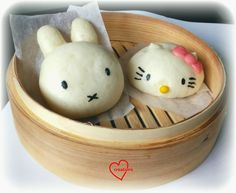 Loving Creations for You: Miffy and Hello Kitty Lotus Paste Steamed Buns (? (food plating to sell) Steamed Cake, Steamed Buns, Hello Kitty Cake, Hello Kitty Birthday, Kawaii Dessert, Bento Recipes, Miffy, Edible Food, How To Eat Better