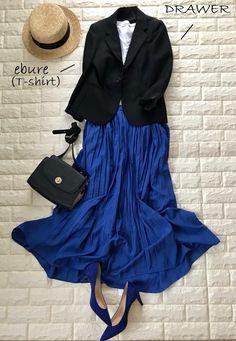 1万円でここまで揃う!見映えの休日きれい色コーデ【高見えプチプラファッション #2】 | ファッション誌Marisol(マリソル) ONLINE 40代をもっとキレイに。女っぷり上々! Classic Outfits, Simple Outfits, Casual Outfits, Skirt Fashion, Fashion Dresses, Spring Summer Fashion, Winter Fashion, Hijab Fashionista, Mature Fashion